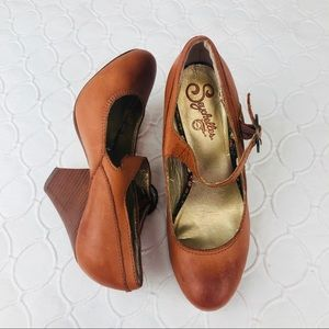 Seychelles Tan Leather Mary Janes Heels sz 6